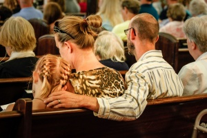 Carlson-Family_Sitting-in-Church_Mac-CoB-3297